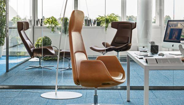 Sedute direzionali sgabelli panche a napoli madea for Sgabelli per ufficio