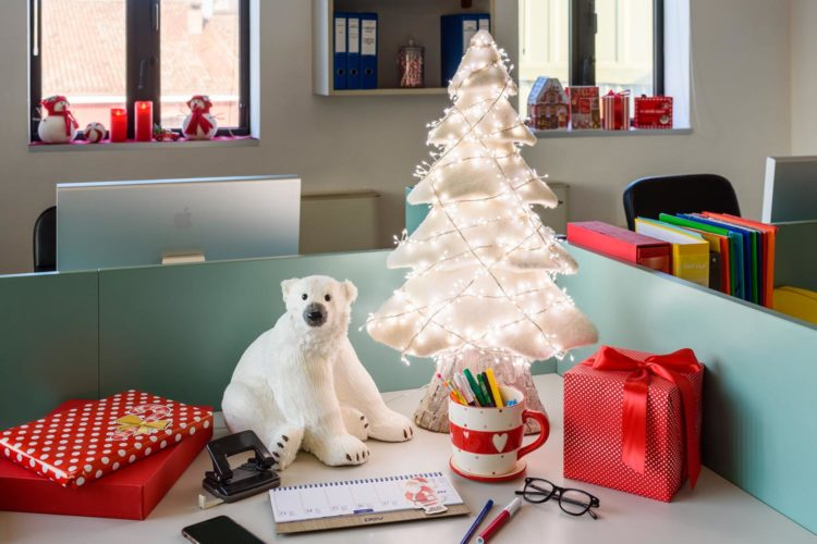 Come decorare l'ufficio per Natale: consigli e idee